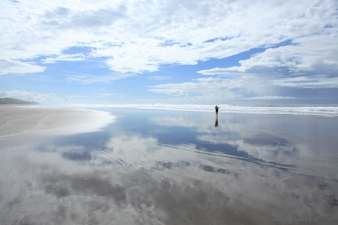 Frau mit Pazifik Küste