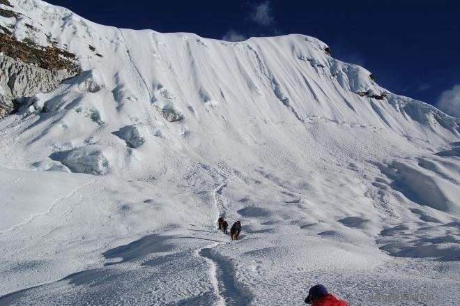 Nepal_112_06_aufstieg_zum_gipfelgrat_small