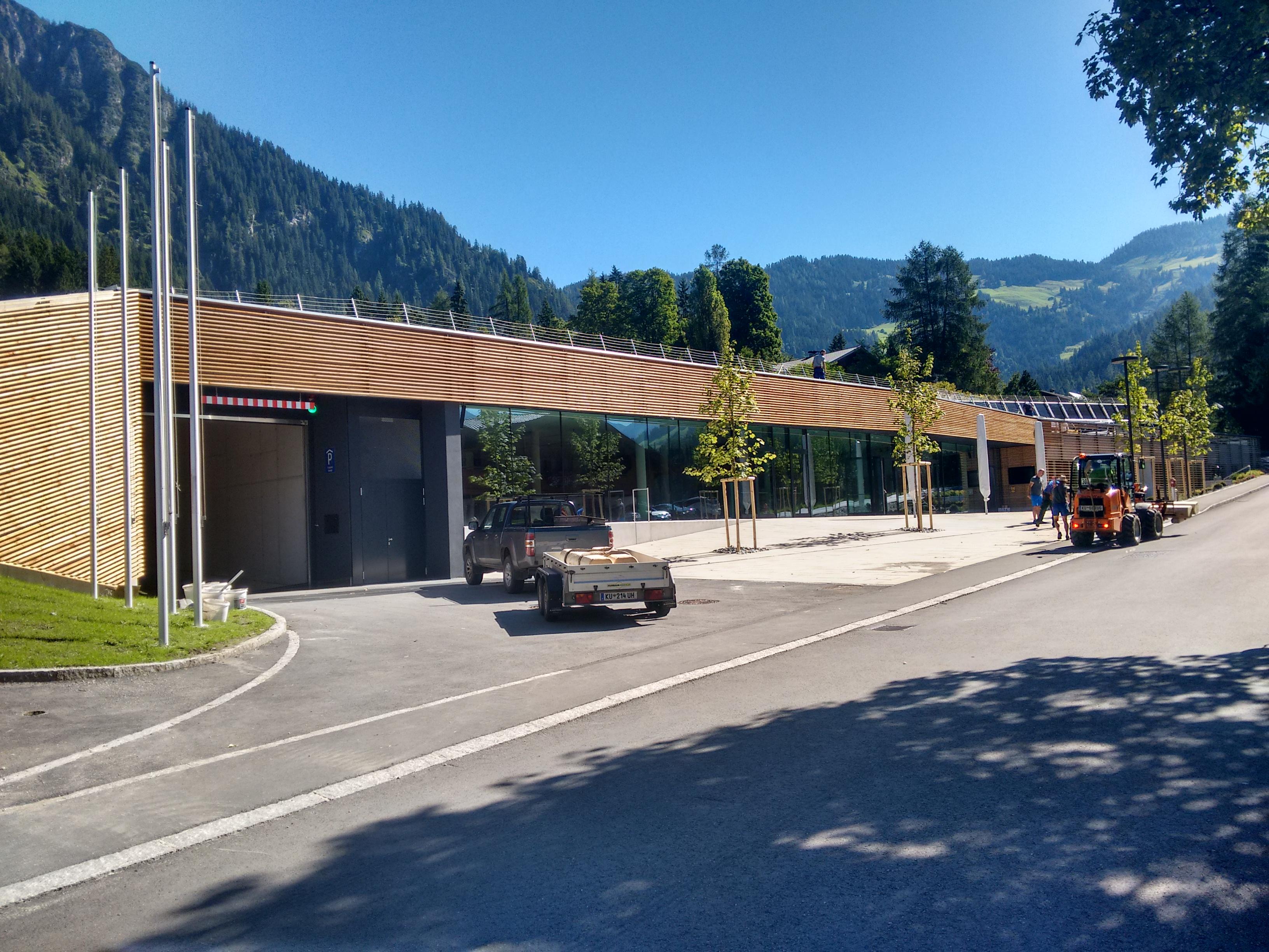 das neue Forum Alpbach, letzte Hand wird angelegt ... nächste Woche ist hier die Welt zu Gast !!
