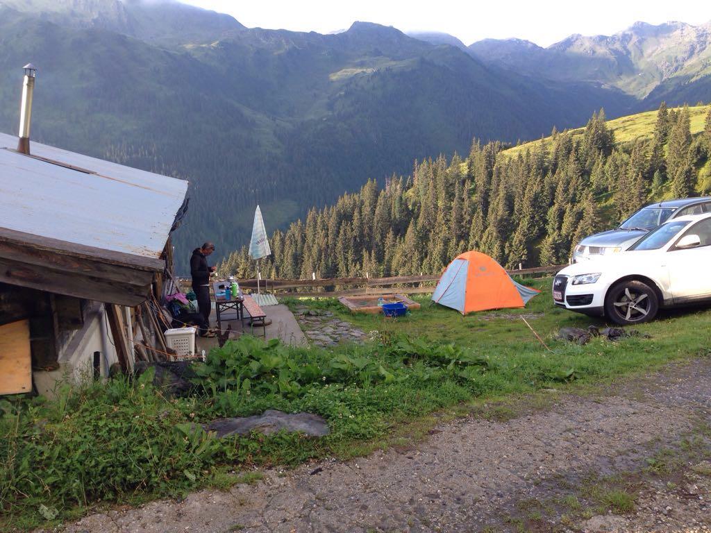 der weniger romantische Blick auf das Zelt ;-)